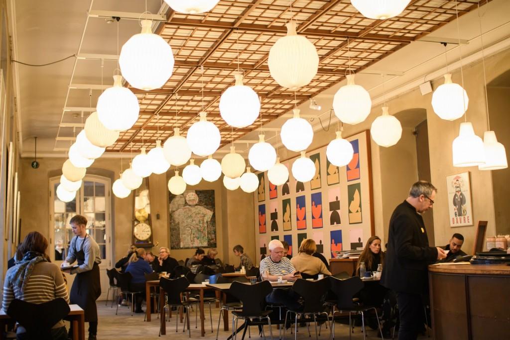 y_zhao8-kopenhagen-cafe-interieur